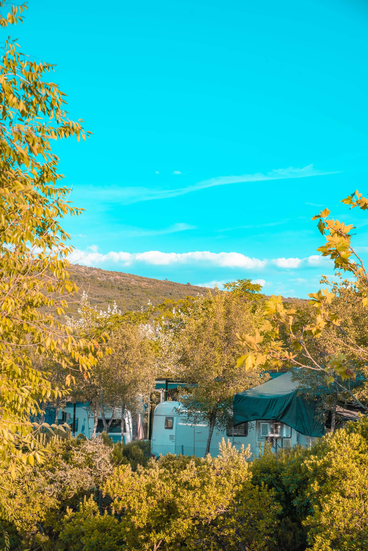 camping caravaning caravanas cabañeros